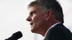 franklin-graham-white-backdrop