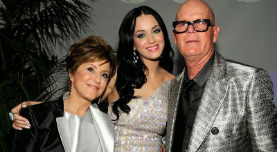 Katy Perry (center) and her parents.