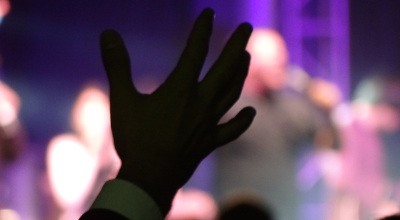 hand held up in worship