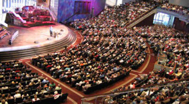 Here are eight American church trends you might expect to see in 2016.